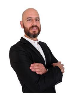 Armando Guerra - RE/MAX - CLASS