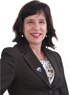 Francisca Molina - RE/MAX - FIRST