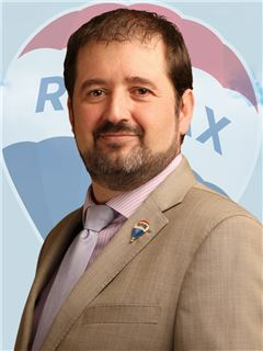 Broker/Owner - Oscar Carles - RE/MAX - MEGA