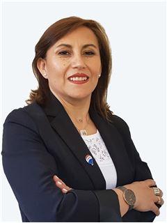Broker/Owner - Leticia Medel - RE/MAX - CLASS