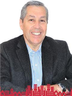 Oscar Rodolfo Santana Larenas - RE/MAX - FUTURO