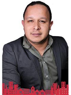 Arturo Gilmond Guevara - RE/MAX - FUTURO