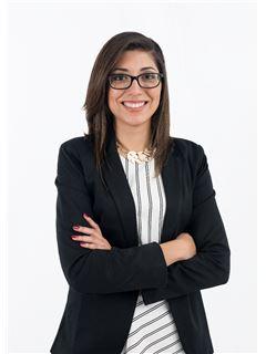 Broker/Owner - Brenda Alvarez - RE/MAX - SIGNATURE