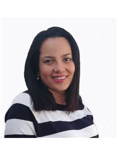Rocely Castillo - RE/MAX - CENTRAL