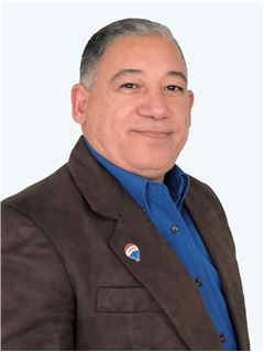Luis Lara - RE/MAX - EXCLUSIVE