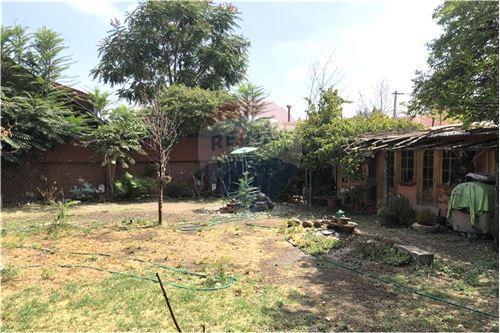 Casa - Venta - La Florida, Santiago, Metropolitana De Santiago - 32 - 1028050048-56