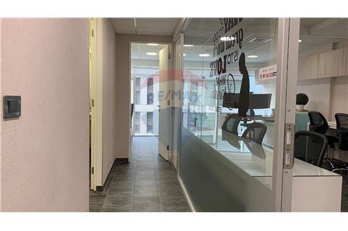 Oficina - Arriendo - Las Condes, Santiago, Metropolitana De Santiago - Corredor - 1028050036-178