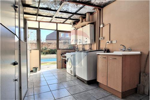 Casa - Venta - Lo Barnechea, Santiago, Metropolitana De Santiago - Loggia - 1028060030-76