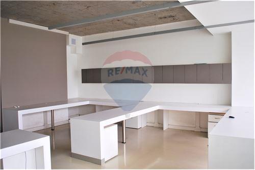 Oficina - Arriendo - Huechuraba, Santiago, Metropolitana De Santiago - 9 - 1028050081-9