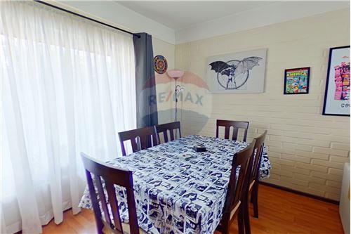 Casa - Venta - La Reina, Santiago, Metropolitana De Santiago - 4 - 1028064001-123