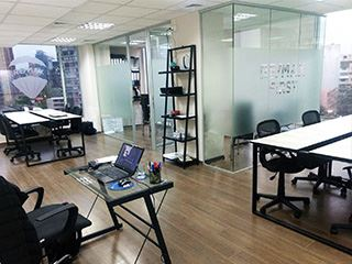 Office of RE/MAX - FIRST - Providencia