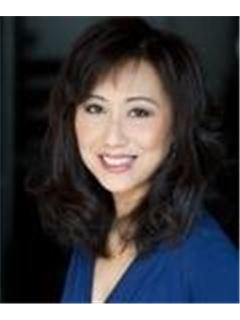 Karen Tsao - RE/MAX Crest Realty (South Granville)