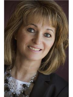Susan Carhoun - RE/MAX Crest Realty (Macdonald)