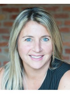 ISABELLE ST-ARNAULT - RE/MAX D'ABORD INC.