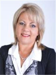 Tracy Litchfield - Platinum - Rustenburg