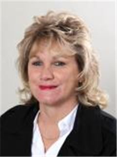 Bettie Bekker - Town and Country - Krugersdorp
