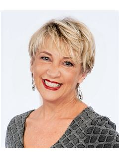 Connie LaBarge Thomas - RE/MAX Defined