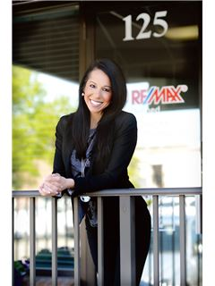 Andrea Esse - RE/MAX Defined