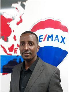 Douglas Obure - RE/MAX Professionals