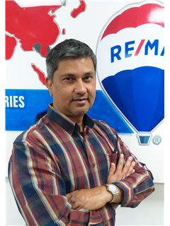 Munir Jivanji - RE/MAX Professionals