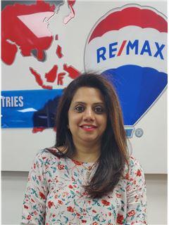 Feena Shah - RE/MAX Professionals
