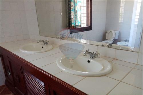 Villa - For Sale - Malindi - Bathroom - 106011028-22