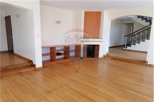 Villa - For Sale - Runda - Living Room with Fireplace - Living Room - 106003062-70