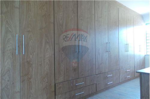 Villa - For Rent/Lease - Runda - Master Bedroom Walk-in Closet - 106003062-49