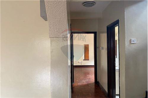Townhouse - For Sale - Lavington - Hallway - 106003024-1898