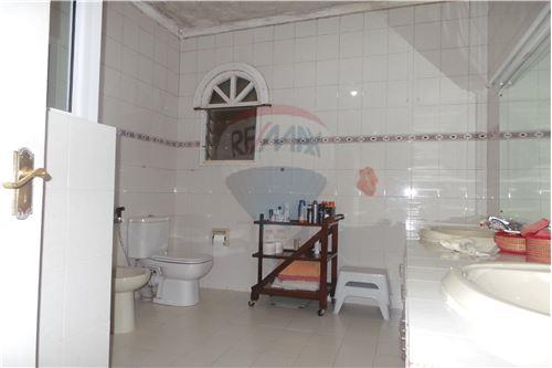 Bungalow - For Sale - Runda - 22 - 106003062-67