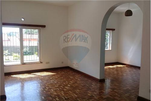 Duplex - For Rent/Lease - Runda - 8 - 106011019-156