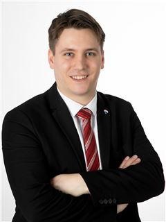 Брокер/Собственик - Christoph Diethelm - RE/MAX Generation