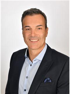 Roger Landolt - Realtor and Real Estate Agent at RE/MAX Stern - Lachen
