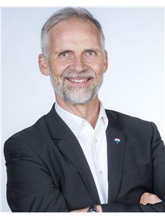 Broker/Owner - Daniel Rischgasser - RE/MAX Lenzburg