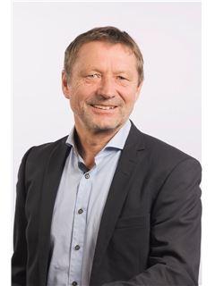 Broker/Owner - Hans Simon - RE/MAX Interlaken