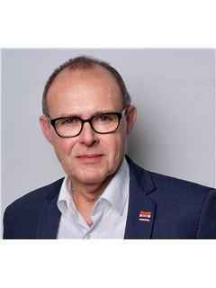 Broker/Owner - Patrick Kim Broker/Owner - RE/MAX Commercial Exclusive - Basel