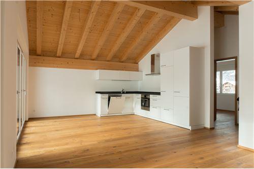 Küche offen zu Wohn- und Esszimmer