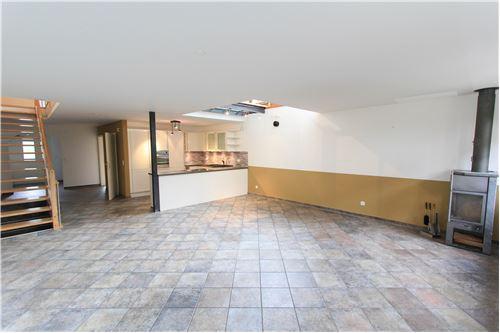 Wohn/Esszimmer mit Blick zur Küche