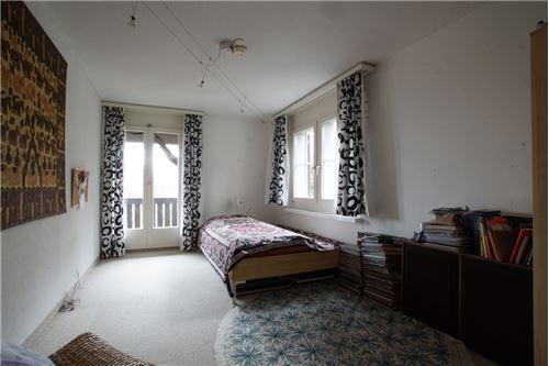 Zimmer 4 mit Balkon-Zugang (OG)
