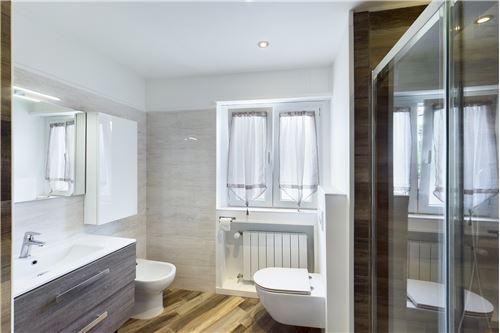 Wohnung - Kauf - Magliaso, Tessin - Bagno con doccia - Badezimmer mit Dusche - Badezimmer - 119001076-34