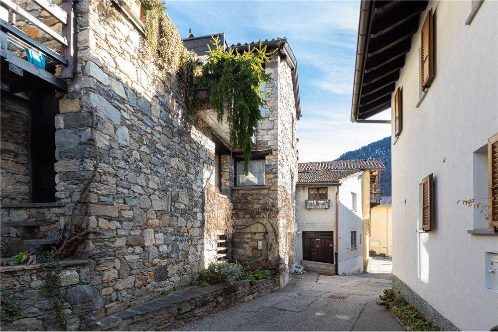 VOGLIA DI BELLO!, Monte Carasso   buy Single house