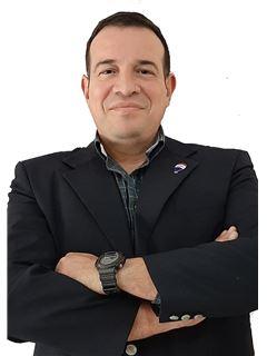 Victor Fleitas - RE/MAX SEVEN