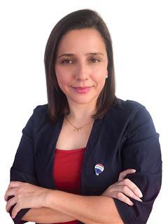 Adriana Benitez - RE/MAX SOLUTIONS