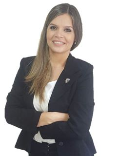 Valeria Mongelos - RE/MAX FOCUS