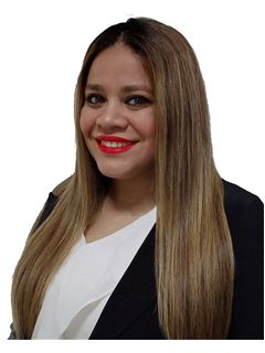 Adriana Martinez - RE/MAX SOLUTIONS