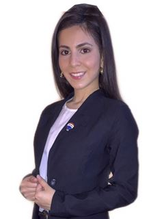 Gianina Chavez - RE/MAX CREATION