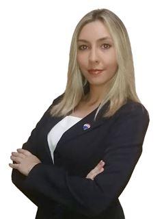 Alexandra Lezcano - RE/MAX FORCE