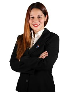Andrea Andrada - RE/MAX FOCUS