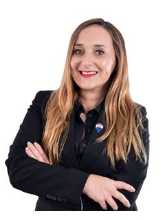 Broker/Owner - Estela Giménez - RE/MAX VIP