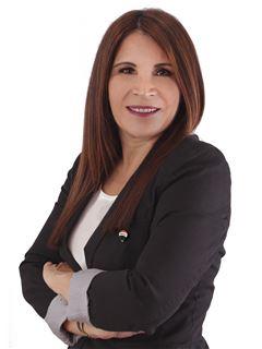 Viviana Zapata - RE/MAX CLASSIC